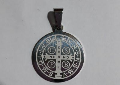 Medalla San Benito revés