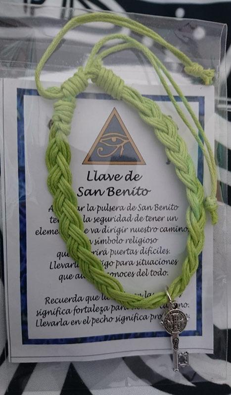 Pulsera hilo con Llave San Benito