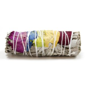 Atado purificante de salvia blanca con pétalos 7 chakras