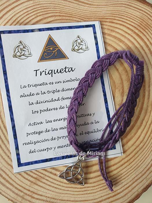 Pulsera hilo color lila con triqueta