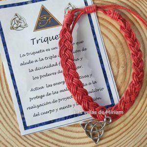 Pulsera hilo color rojo con triqueta