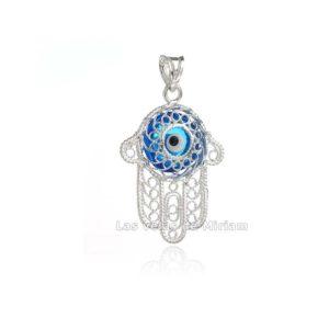 Colgante en forma de mano de Fátima con Ojo Turco. Este bonito amuleto está formado por una mano de Fátima hecha en filigrana de plata de ley con un Ojo Tuco,amuleto contra el mal de ojo.