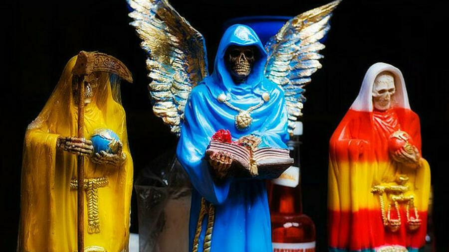 Santa Muerte, la Señora que no juzga